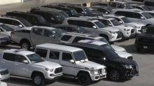 Confiscan en Miami decenas de vehículos de lujos que iban a ser exportados ilegalmente a Venezuela