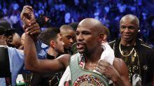 Mayweather TKOs McGregor: Sports world reacts