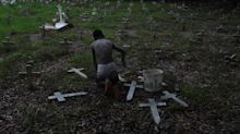 Brasil interrompe sequência de 3 quedas nas mortes semanais por covid-19 e registra alta