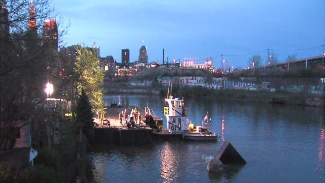 Barge sinks in Cuyahoga River in Cleveland's Flats, Coast Guard says