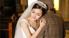 Mulher solteira faz ensaio tocante de casamento com seu avô