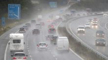 UK drivers want lower wet-weather motorway speed limit, finds poll