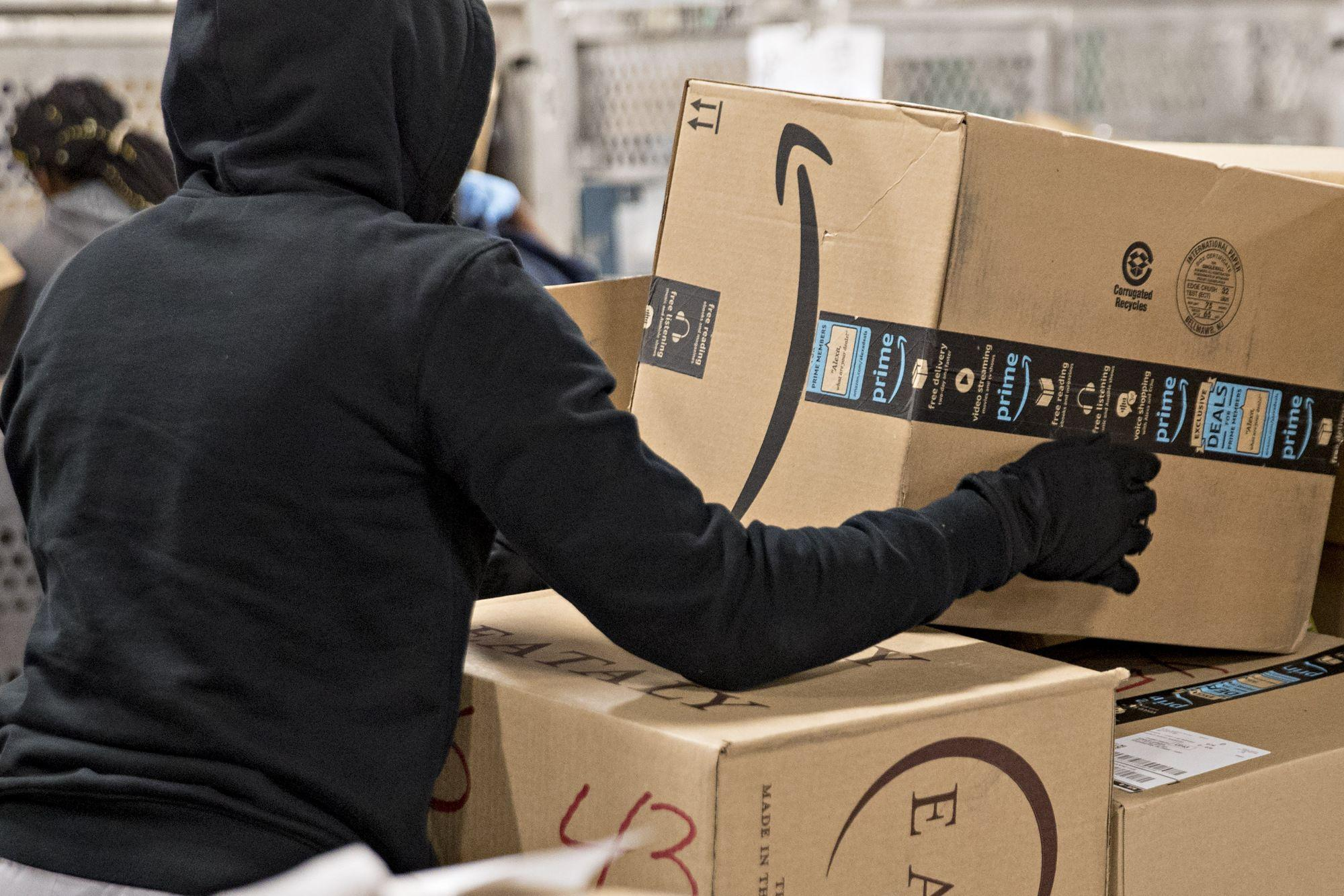 Amazon Axes Delivery Partners in U.S.; Hundreds of Jobs Cut