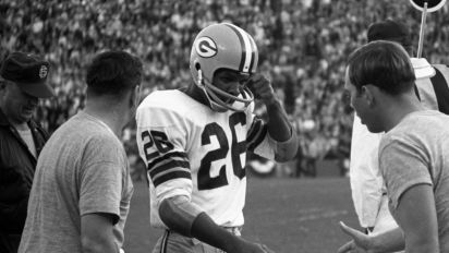 Legendary Packers CB Adderley dies at 81