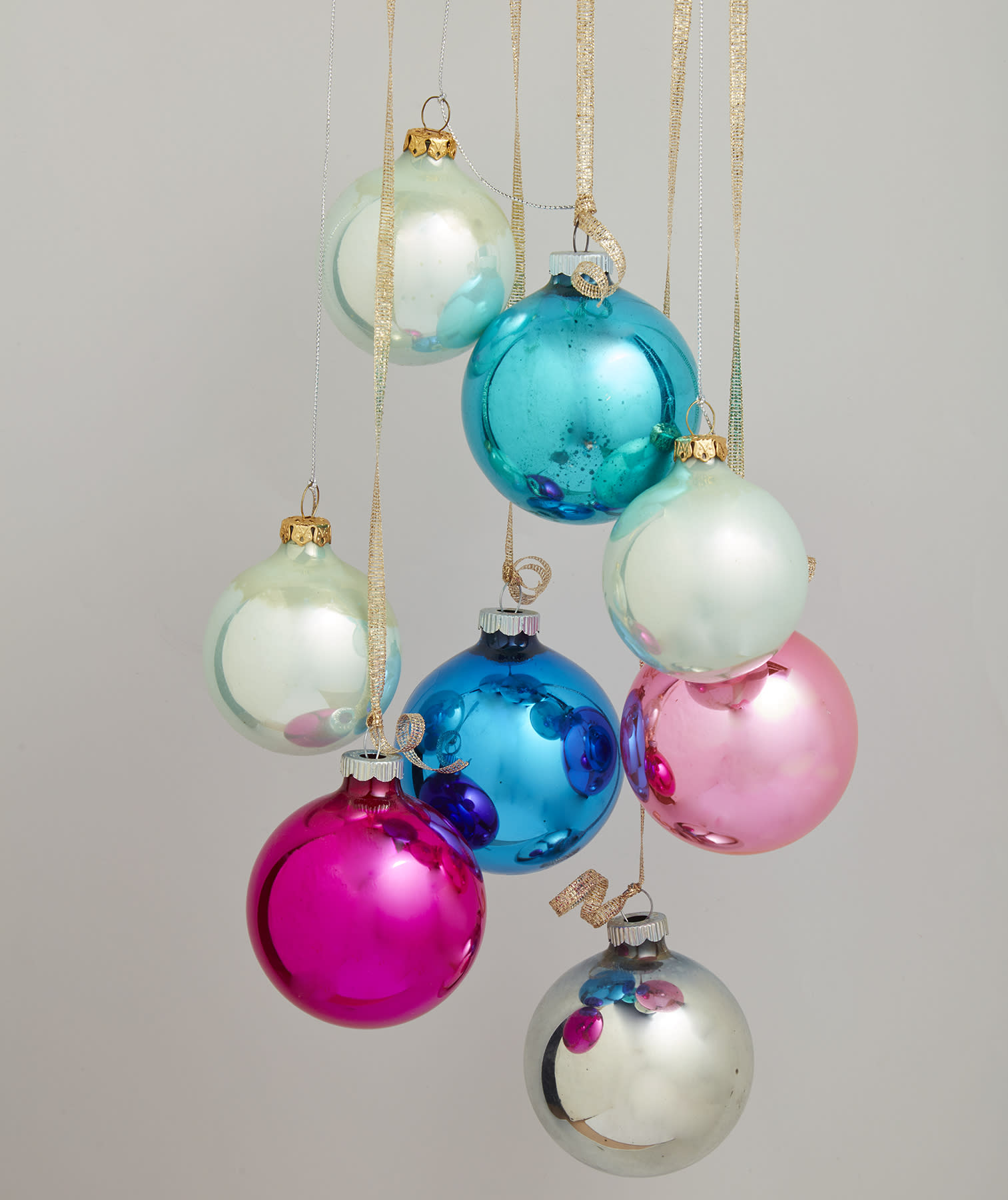 vintage christmas decorations with a modern twist - What Is The Day After Christmas Called