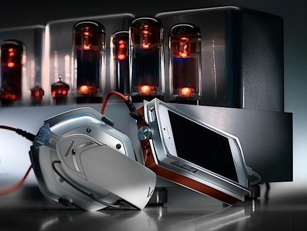 V-moda unveils Vamp Verza: a dockable, device-agnostic headphone amp and DAC for mobile audiophiles (update: video)