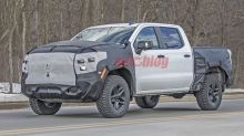 Chevy Silverado ZR2 looking bigger, more capable than Trail Boss in spy photos