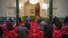 Ramadan in China: Faithful dwindle under limits on religion