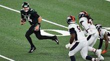 Sam Darnold stuns Broncos with 46-yard touchdown run to open 'Thursday Night Football'