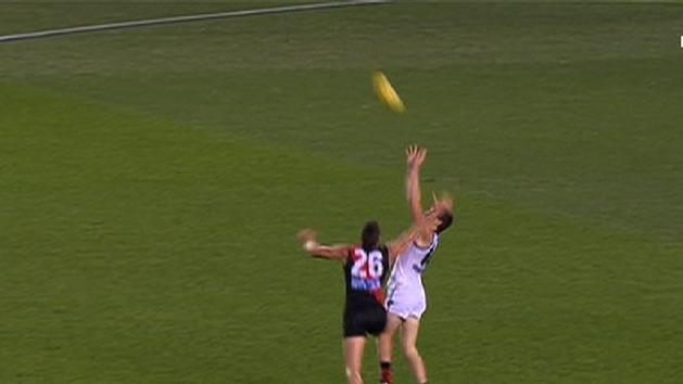 Giants give Bombers a scare