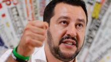 Salvini viola silenzio elettorale: annunci sui social