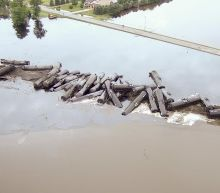 BNSF: Estimated 230,000 gallons of oil spilled in derailment