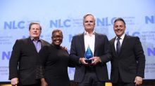"""National League of Cities Honors Clear Channel Outdoor with """"Service to Cities Award"""" for Transportation Infrastructure Support"""