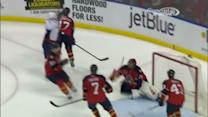 Ovechkin blows a one-timer past Thomas