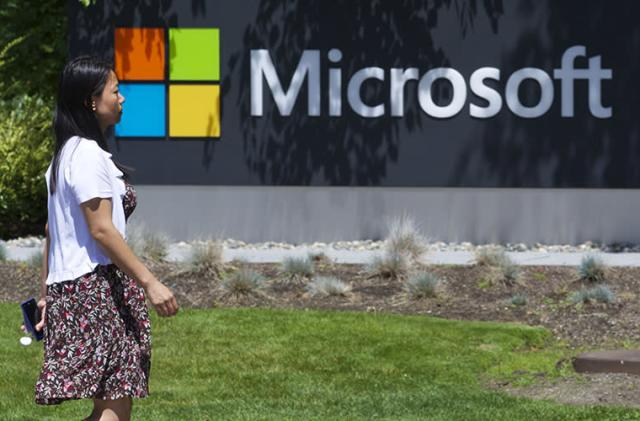 Microsoft plans 7,800 layoffs, $7.6 billion Nokia write-down