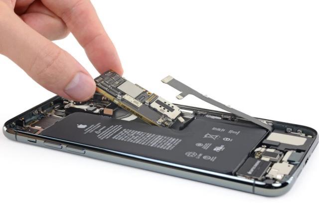 iFixit's iPhone 11 Pro Max teardown investigates charging rumors