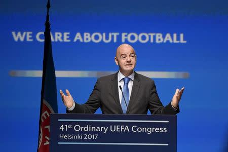 El presidente de la FIFA, Gianni Infantino, habla en un congreso en Helsinki, Finlandia.