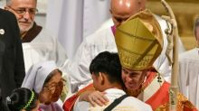 Pope cautions Thai youth against tech pitfalls