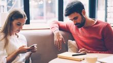 Everyday Habits That Are Ruining Your Relationship
