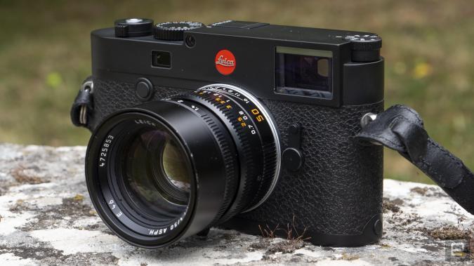 Leica M10-R rangefinder camera hands-on