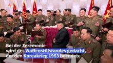 Kim Jong Un verschenkt Pistolen