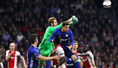 Europa League: Schalke vs. Ajax im kostenlosen Livestream