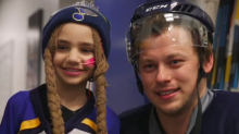Vladimir Tarasenko, Blues provide special birthday surprise for young fan (Video)