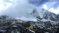 Footage Of Everest Avalanche Caused By Aftershock From Nepal Earthquake