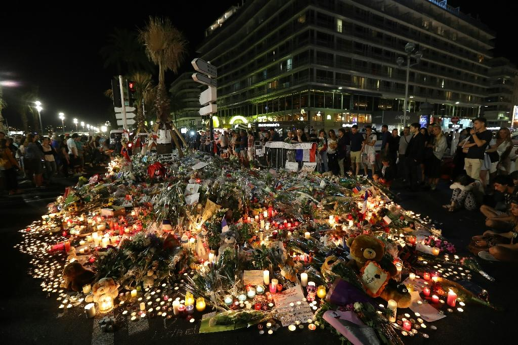 This photo taken on July 16, 2016 in Nice shows a make-shift memorial for victims of the deadly Bastille Day attack (AFP Photo/Valery Hache)