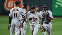 Molina honours Clemente; Cardinals split pair with Tigers