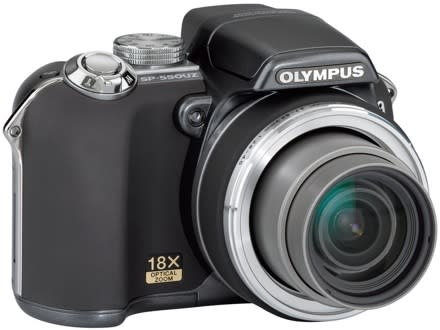 Olympus SP-550 UZ: a compact monster with 18x optical zoom