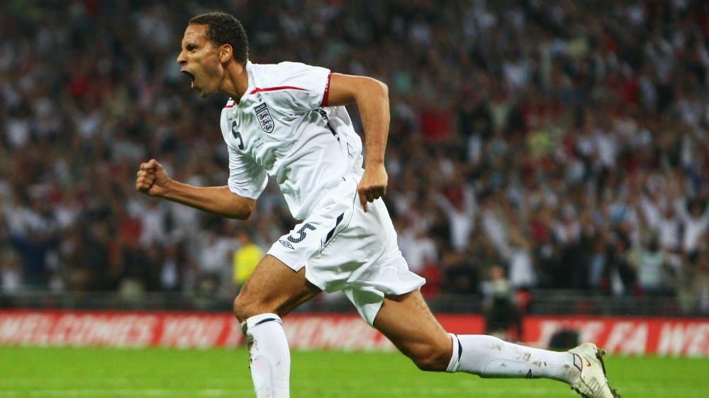 """Ferdinand punge il Barcellona: """"In 5 o 6 non meritano quella maglia"""""""
