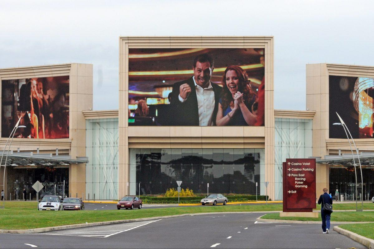 Pa  approves first sports-betting licenses for Parx