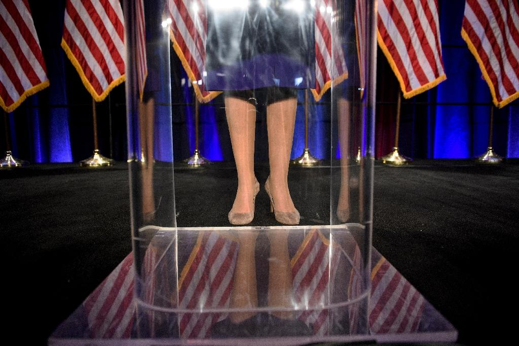 Pelosi in high heels on the night of the Democrats' victory in legislative elections, November 6, 2018 in Washington (AFP Photo/Brendan Smialowski)