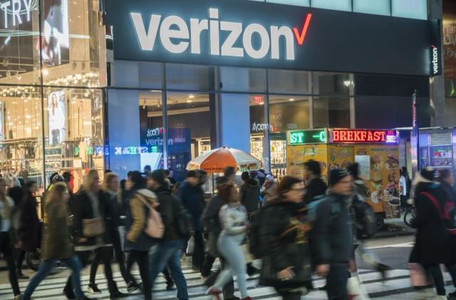 Verizon cuts the price of its unlimited prepaid plan