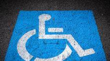 Rührend: So reagierte eine Kneipenbesitzerin auf einen Gast mit behindertem Sohn