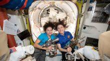 Nasa realiza 1ª caminhada espacial somente com mulheres