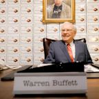 Warren Buffett Just Revealed What He Learned from His First Investment -- At Age 11
