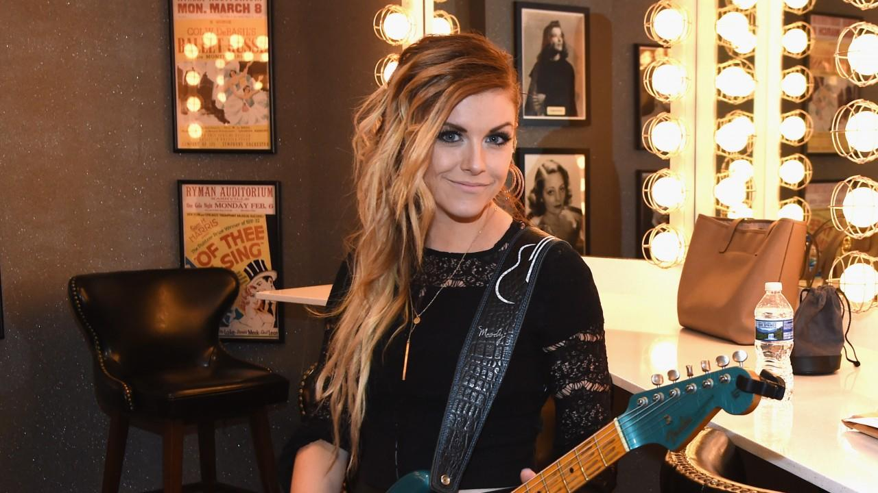 Lindsay Ell Offers Up The Best Thing Shes Learned From Carrie