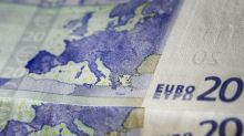 Euro Rebounds from 10-Month Lows as Markets Steady