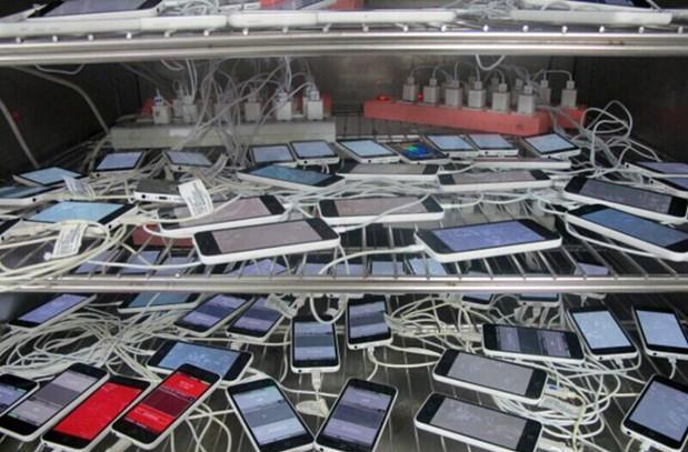Pegatron employee spies a pile of iPhone 5Cs, all warming up for September