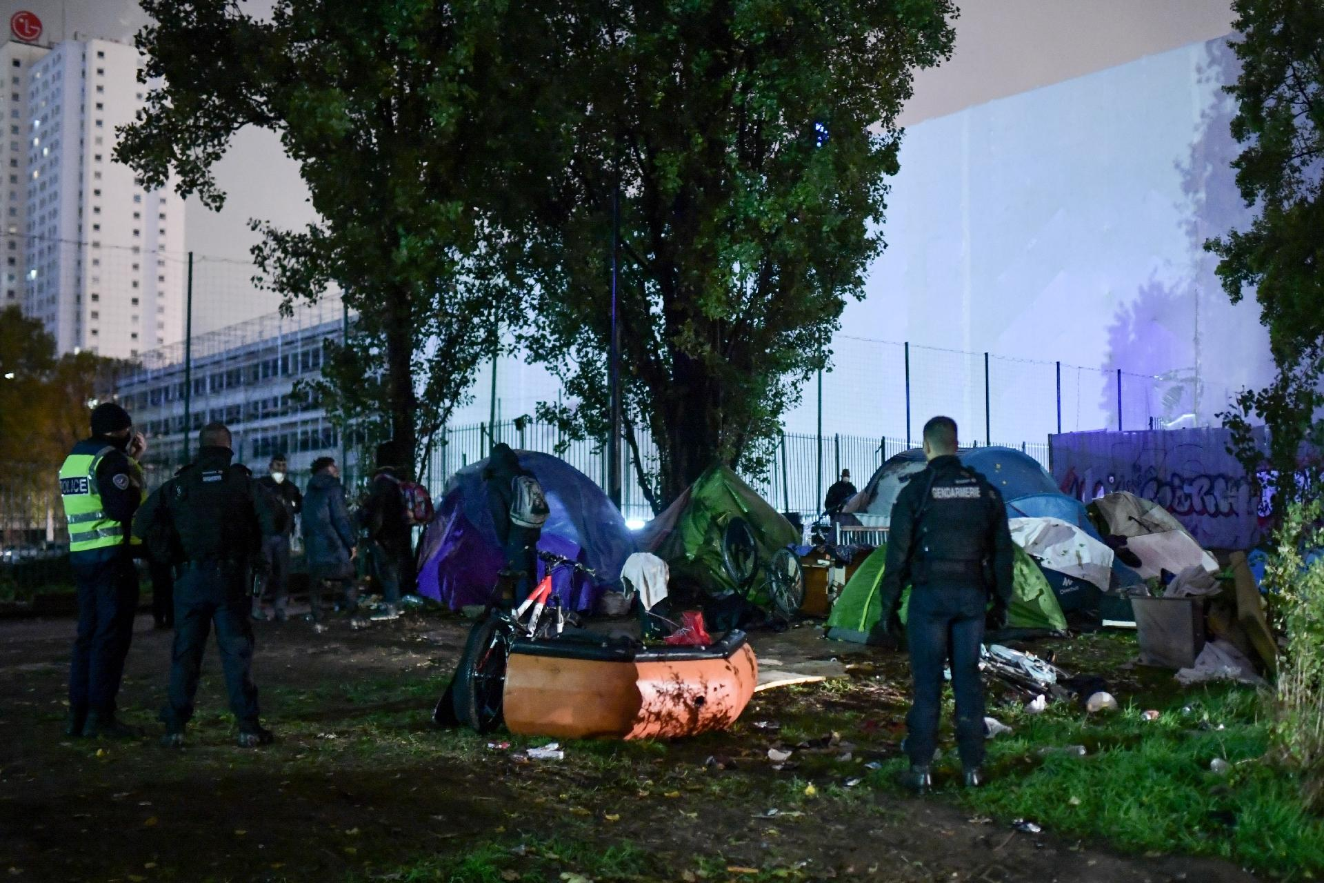 «Révoltant», «policiers exaspérés»: les réactions des sénateurs après l'évacuation violente d'un camp de migrants à Paris