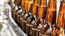 A Rising Share Price Has Us Looking Closely At The Boston Beer Company, Inc.'s (NYSE:SAM) P/E Ratio