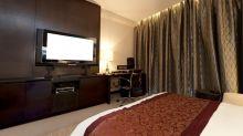 Man's stunning $630 find behind hotel room TV