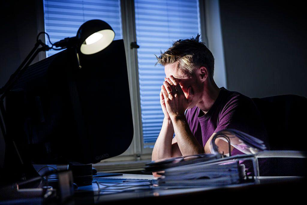 Office workers are damaging their eyes by 'not blinking enough' in front of computer screens