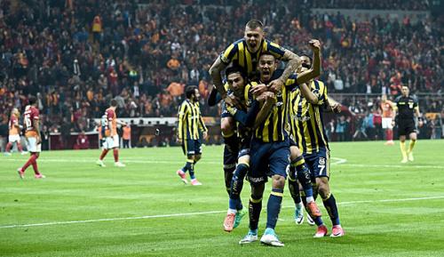 Süper Lig: Podolski verliert Istanbuler Derby mit Galatasaray