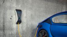 Tesla Stock Is Falling: 3 Renewable Energy Stocks Set to Go Higher