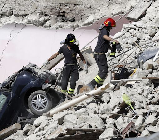 Powerful earthquake hits central Italy
