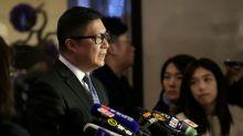 """La policía de Hong Kong adoptará métodos """"duros"""" y """"blandos"""" contra las protestas -comisario"""