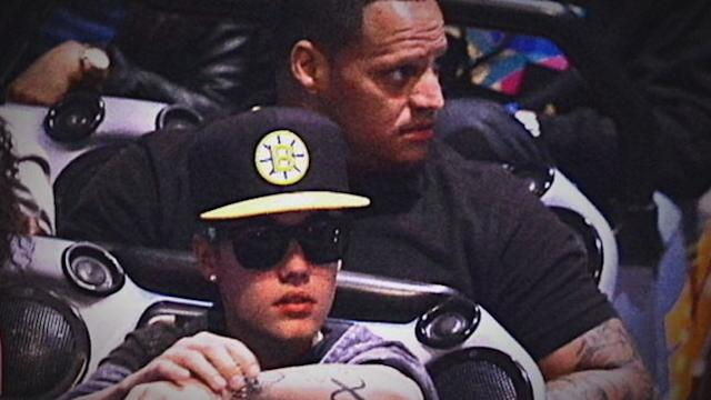 Photographer Suing Bieber and Bodyguard